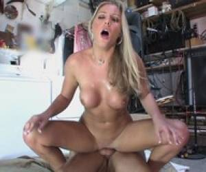 Dude Rams Horny Slut With Gorgeous Tits At His House