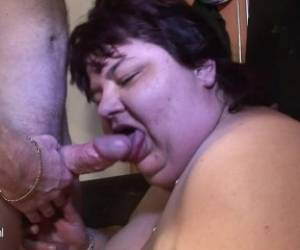 Bbw Mature Mother Eating On A Hard Cock. Marcelene From DATES25.COM