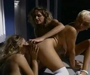 Juli Ashton In A Priceless Lesbo Three-some