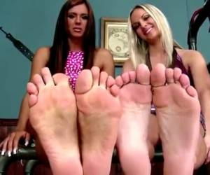 Sexy Girls Playing With Their Nice Feet