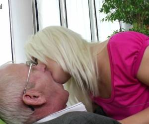 Young Daughter Sucking And Fucking Old Man