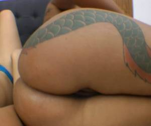 Big Ass Girl Gets Analingus From Lesbian
