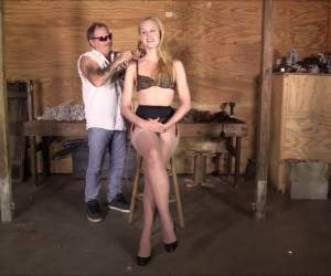 Ariel Anderssen In Tight Reverse Prayer