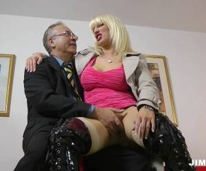 Sky High Slutty Latex Boots On A Bangable Milf Blonde