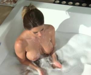 Rachel Roxxx Anal Sex With A Big Cumshot On Her Fake Tits