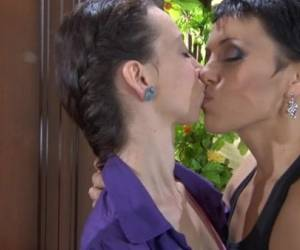 Viola And Molly Lesbian Mature Action