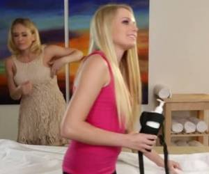 Bosomy Sweetie Kagney Linn Karter Pleasures Her Naughty Kooky With Steamy Cunnilingus In Massage Parlor