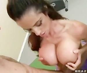Ariella Ferrera Music Video