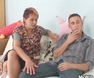 Granny Seduces Her Daughter's BF