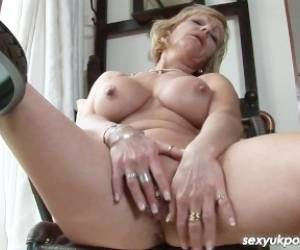 Mature British Pornsatr Jane Bond Pussy Play In The Study