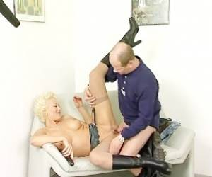 Blonde MILF Refuses A Creampie