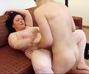 MILF Mature Blowjob In Hotel