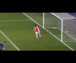 Sunderland Getting SLAUGHTERED BY ROSICKY! CZECH Him Out )