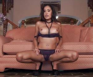 Asian Hottie Davon Kim Strips Naked And Masturbates