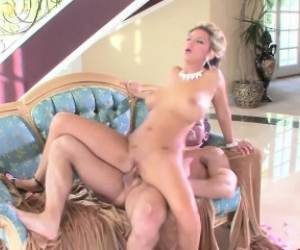 Blonde Beauty With Big Hooters Ashlynn Brooke Loves It Deep And Rough