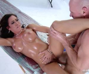 Dirty Masseur: A Killer Massage For Capri. Capri Cavanni, Johnny Sins