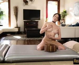 Big tits brunette masseuse quinn wilde pounded by her client