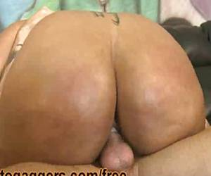 Big Ass Ebony Blu Diamond Fucks White Dude