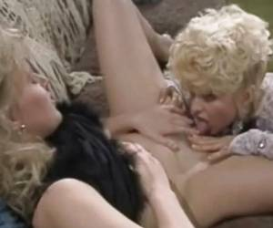 Blonde Milf Lesbians Cunt Licking In Vintage Style