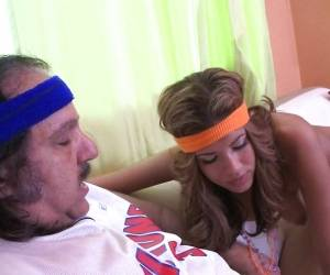 Fitness Fanatic Isis Taylor Sucks Off Porn King Ron Jeremy