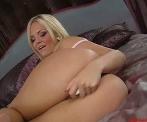Alexis Texas Masturbating Her Cunt With A Hard Toy