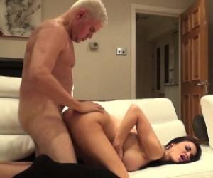 Big Breasted Brunette Cougar In Heat Jasmine Jae Takes A Deep Pounding