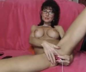 Girl Kathylovexxx Masturbating On Live Webcam Webcam Girl Kathylovexxx