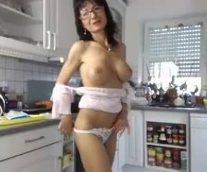Slut Kathylovexxx Flashing Pussy On Live Webcam Webcam Girl Kathylovexxx