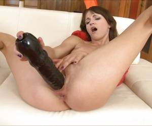 Aimee Ryan Toys Her Warm Pussy