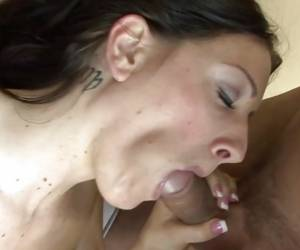 Piper Austin Spreads Her Lips Round This Hard Cock
