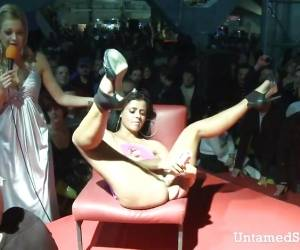 Slutty Stripper Going Wild With Toy At The Sex Show
