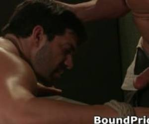 Tyler And Vince Hunky Muscle Gays Part1
