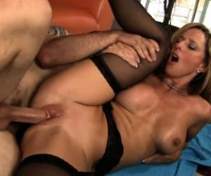 Ralph Long Gives The Busty Mom Jodi West A Good Pounding On The Couch