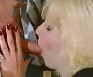 Vintage Blonde European Shemale Is Obviously Addicted To Anal Sex