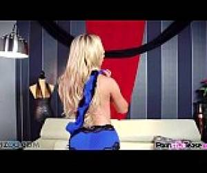 Pornstar Tease - Nikki Benz Reveal Her Big Boobs And Perfectly Tight Twat
