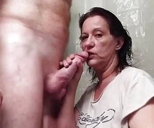 Kinky Wife Gives A Delicious Blowjob And Facial