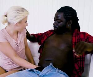 Ardent Cute Looking Blondie Anna Ray Has A Great Idea To Suck Black Dick
