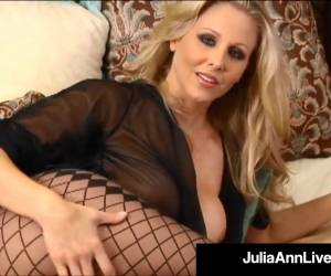 Major Hot Mommy Julia Ann Touches Herself Until She Orgasms!