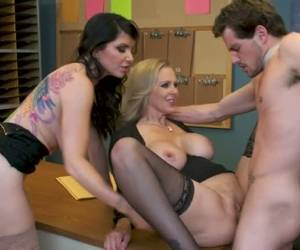 Incredibly Horny Office Slut Julia Ann Wanna Be Fucked Missionary (FFM)