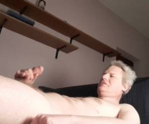 SUCKIN' CREAMPIE FROM MY DICK
