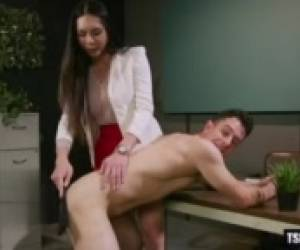 Hot Shemale Seduction With Cumshot