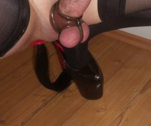 Tranny With Butt Plug And Hight Hells