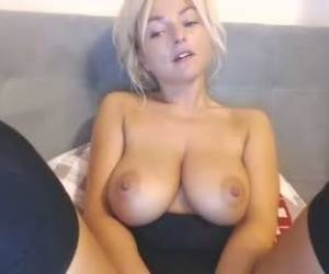 Babe Kokette22 Flashing Boobs On Live Webcam Webcam Girl Kokette22
