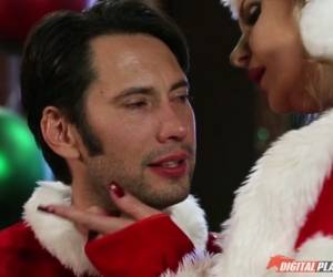 Phoenix Marie & Tommy Pistol  In Dirty Santa - Episode 5 - Santa Claus Is Cumming