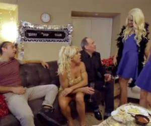 College Sis Cums Home To Horny Step Brother - My Family Pies S6:E1