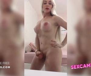 Blonde Tgirl Webcam Big Tits Dick