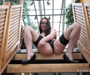 WendyMoonX - Quick Stop On Stairs For One Real Orgasm