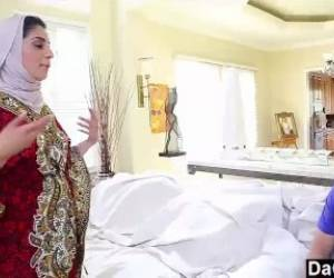 Naughty-hotties.net - Nadia Ali - Exposes Her Indian Pussy
