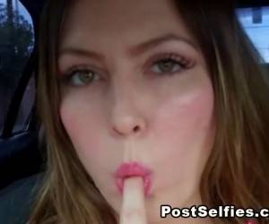 Hot Teen Brunnette Publicly Flashing In Her Car