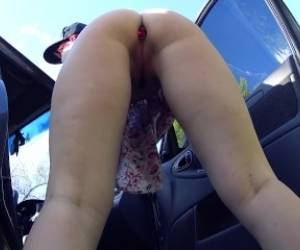 Public Masturbation With Anal Plug In The Ass